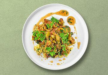 Cavatelli mit gegrillter Zucchini, karamellisierten Feigen und Walnüssen  & Salat von grünen Spargel